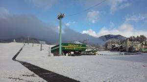 鐘の鳴る丘に雪が降る