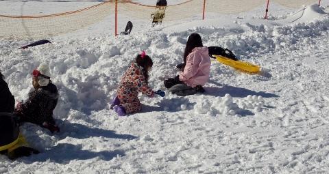 キッズパーク雪遊び